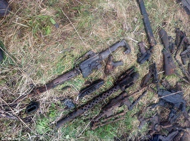 Egy halom fegyvert találtak a mágneses horgászat során